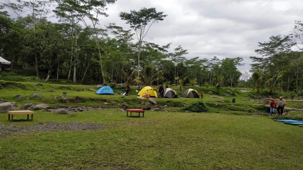 tenda camping di ledok sambi