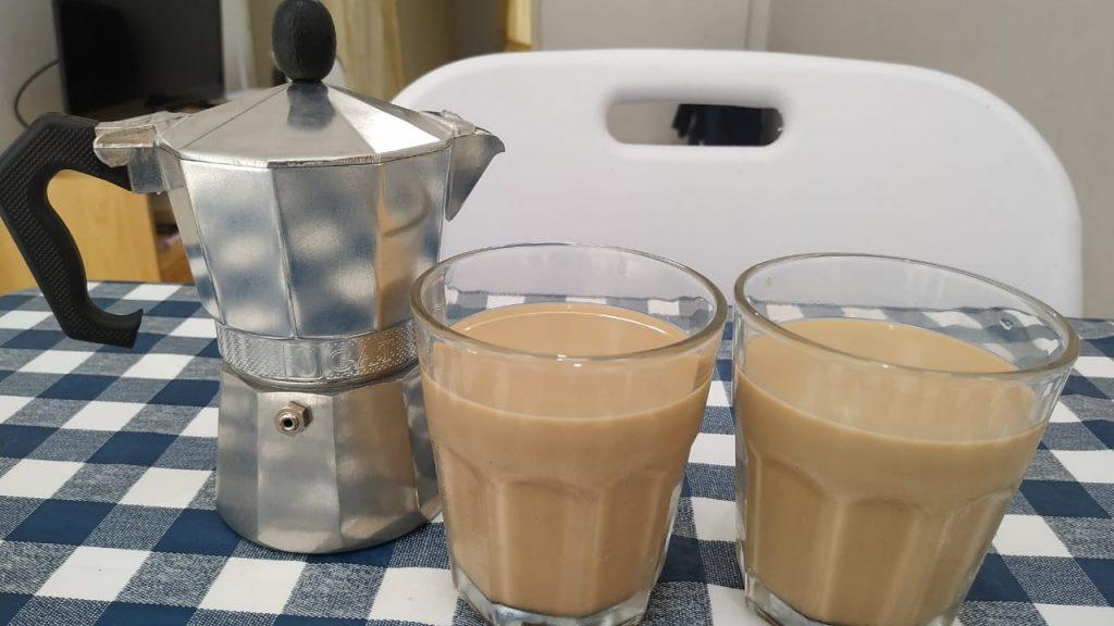 cara membuat kopi susu kekinian dengan moka pot