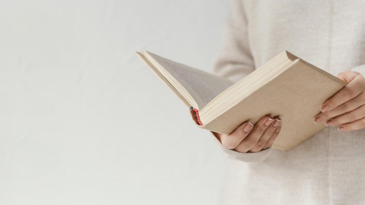<a href='https://www.freepik.com/photos/book'>Book photo created by freepik - www.freepik.com</a>